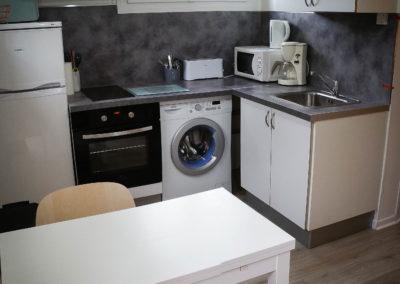 cuisine équipée location studio à Eugénie-les-Bains