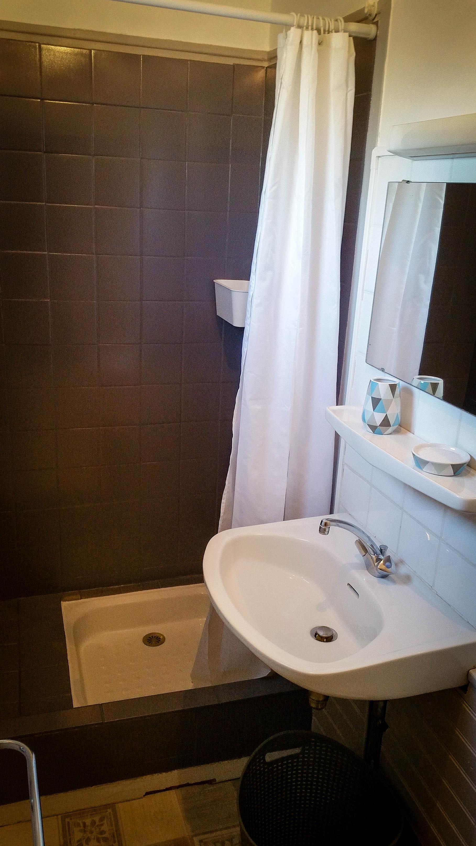 Studio curiste ou touriste eug nie les bains locations - Location cure eugenie les bains ...